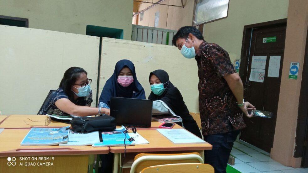 Kebhinekaan Global dalam In House Training (IHT) SMP IT Al Fatih Makassar bersama SMP Kristen Pelita Kasih Makassar